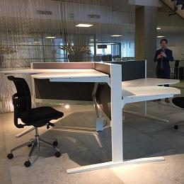 Nieuw zit-sta meubilair